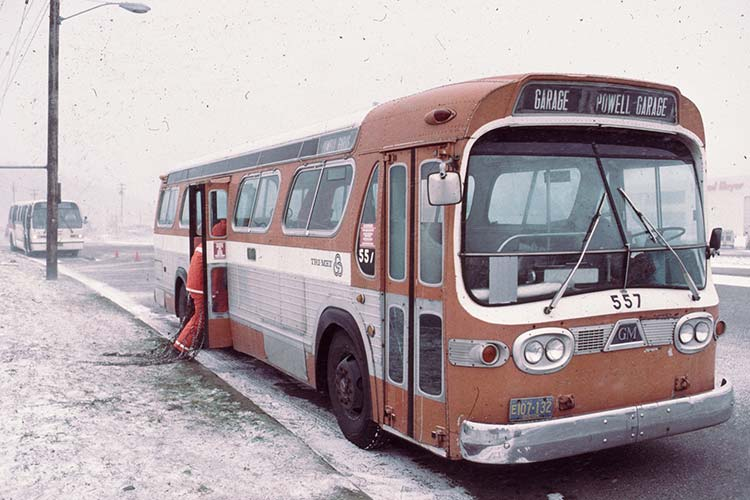 TriMet bus in ice storm